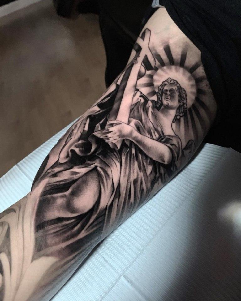 Тату ангела хранителя на руке