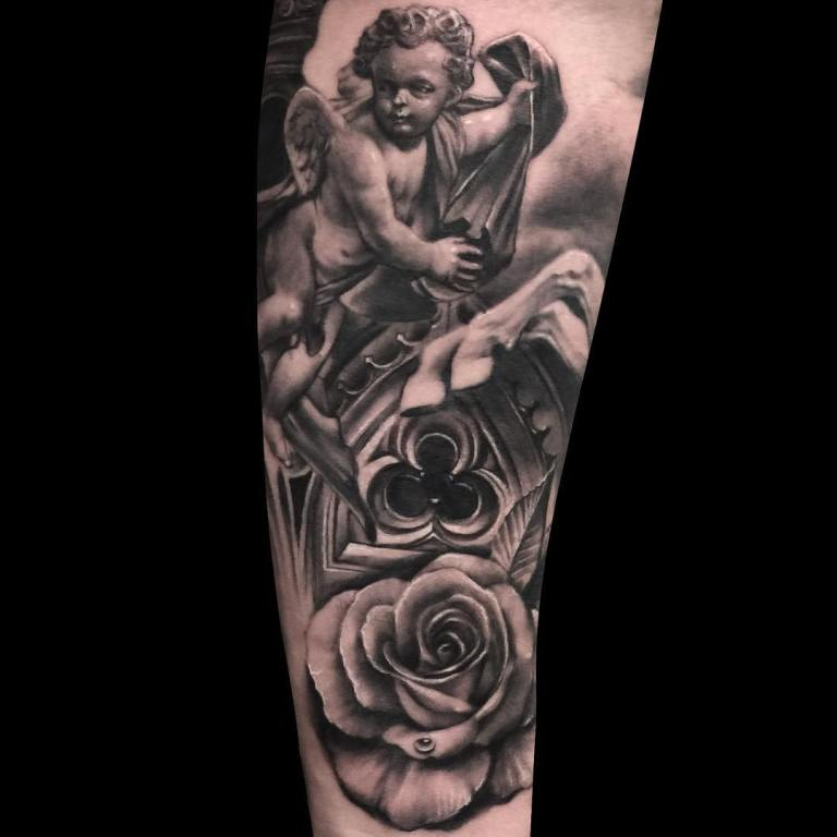 Тату ангел и розы