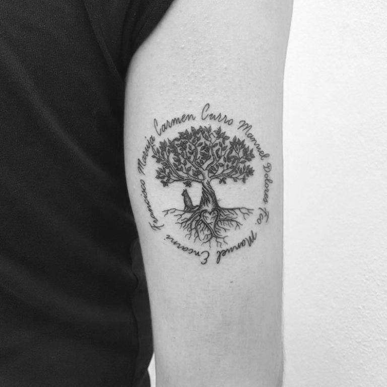 тату на руке дерево