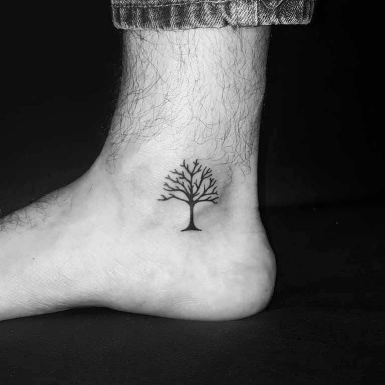 татуировки дерево