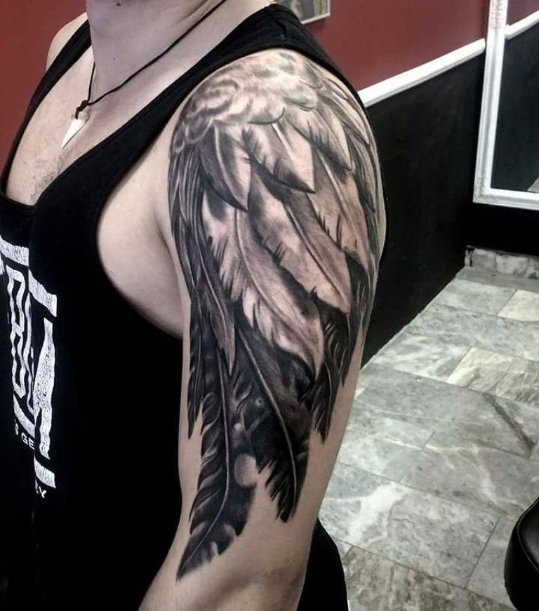 Тату крылья птицы