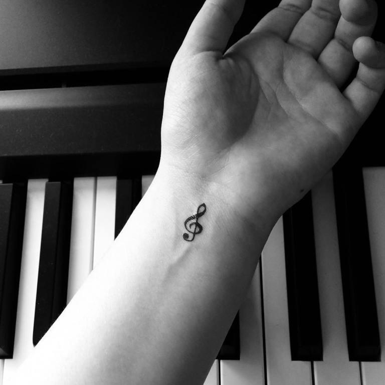 Татуировка скрипичный ключ мужская