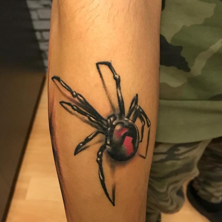 Тату паук черный