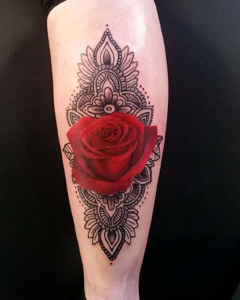 Красная роза и мандала