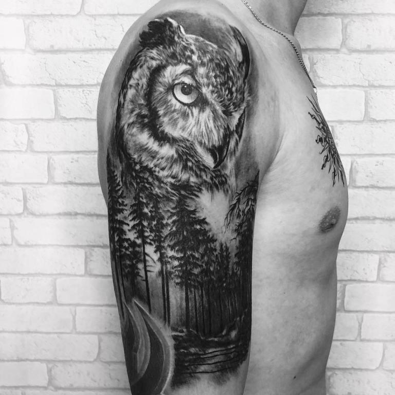 Татуировка птицы на плече мужская