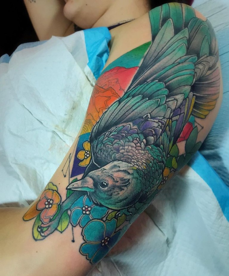 Татуировка ворон цветная