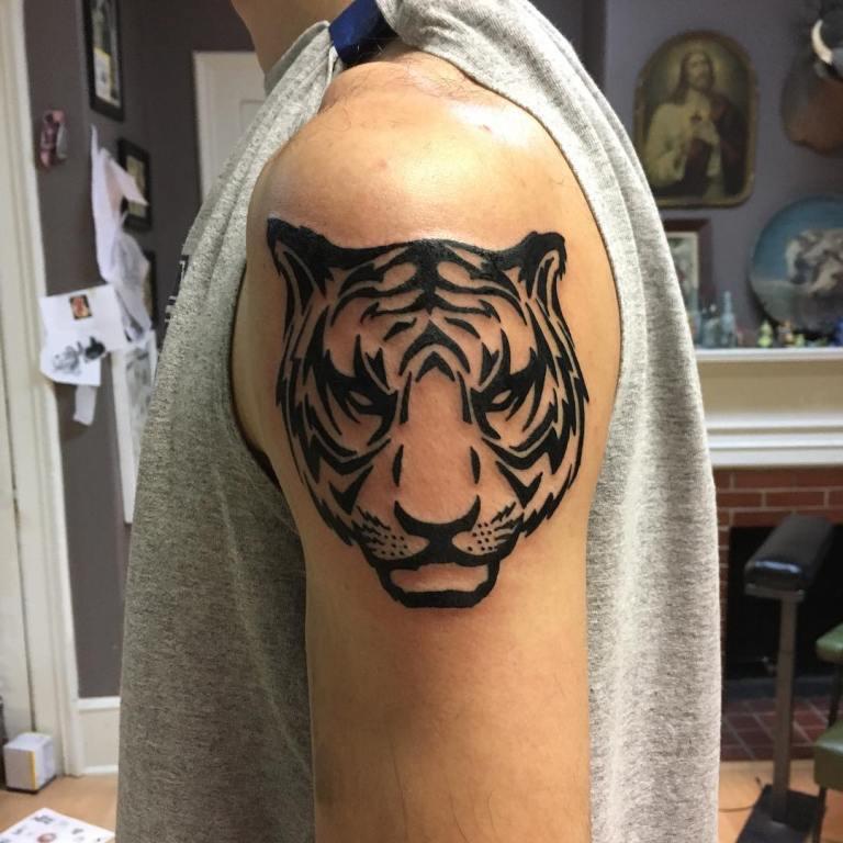 татуировки тигр