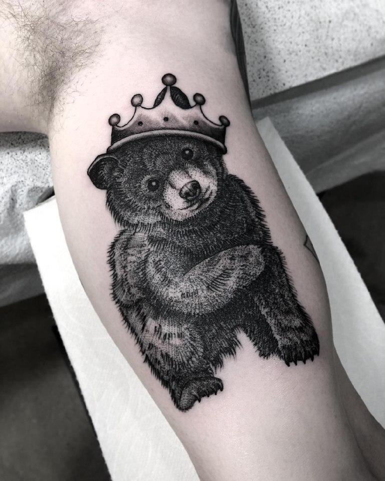 что означает медведь тату
