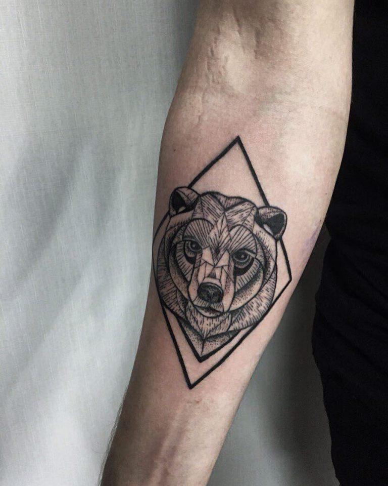 что означает татуировка медведь