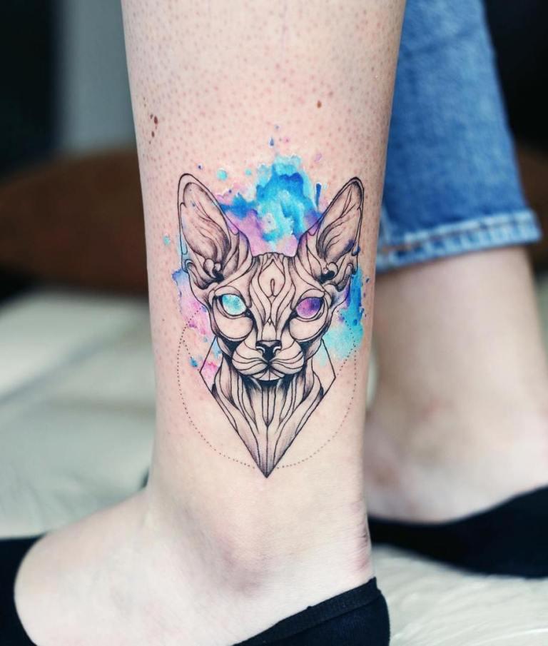 что означает тату кошка у девушки