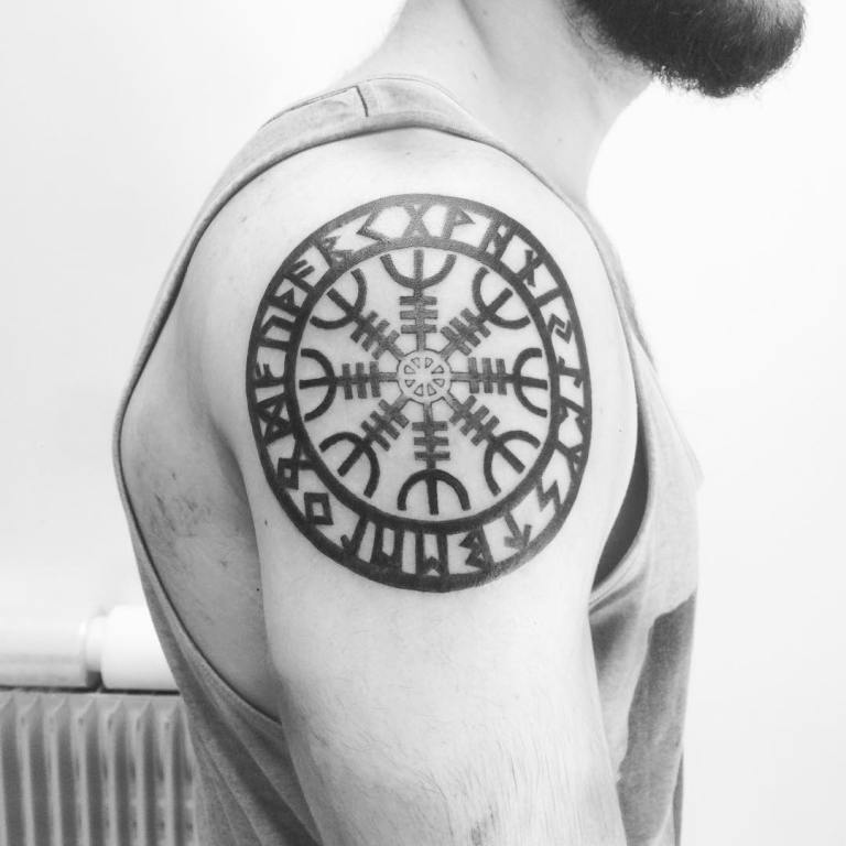 татуировки для мужчин на руке кельтский узор