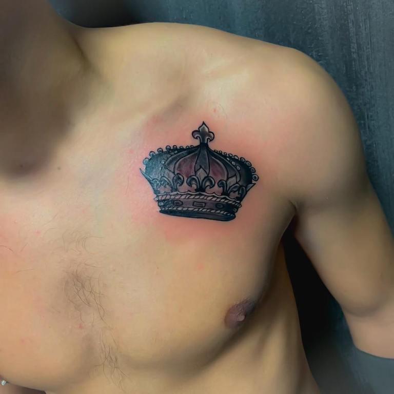 татуировка в виде короны