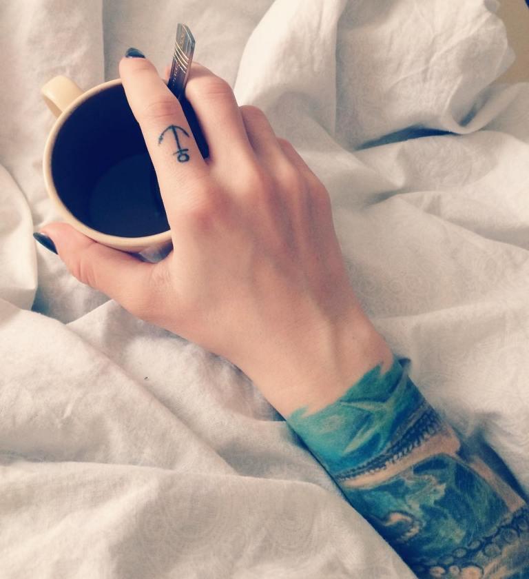 татуировки на пальцах рук