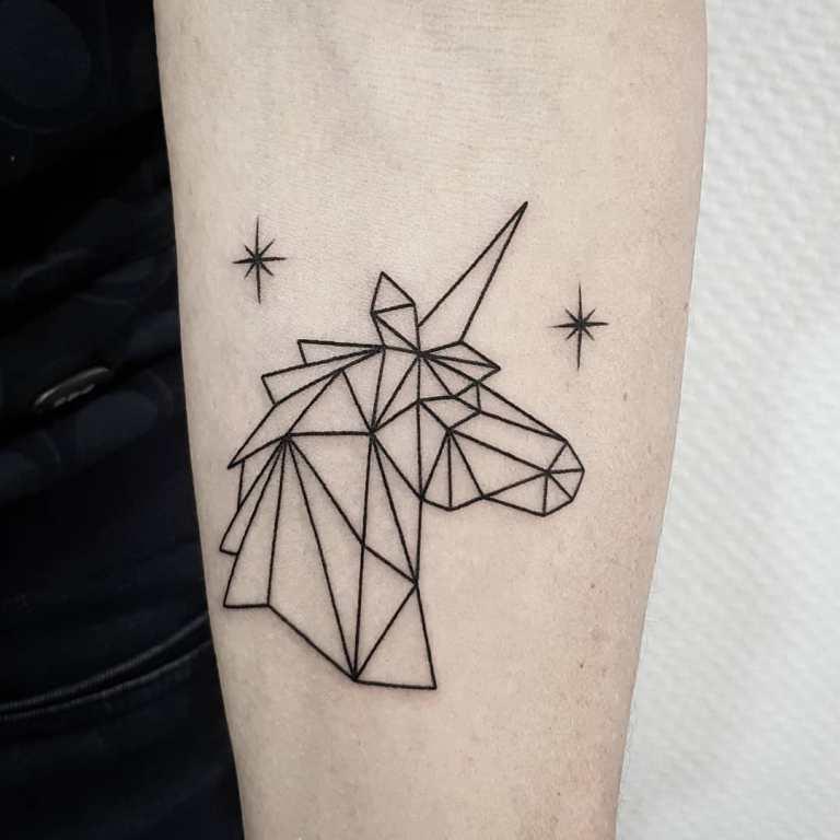 тату геометрия на руке