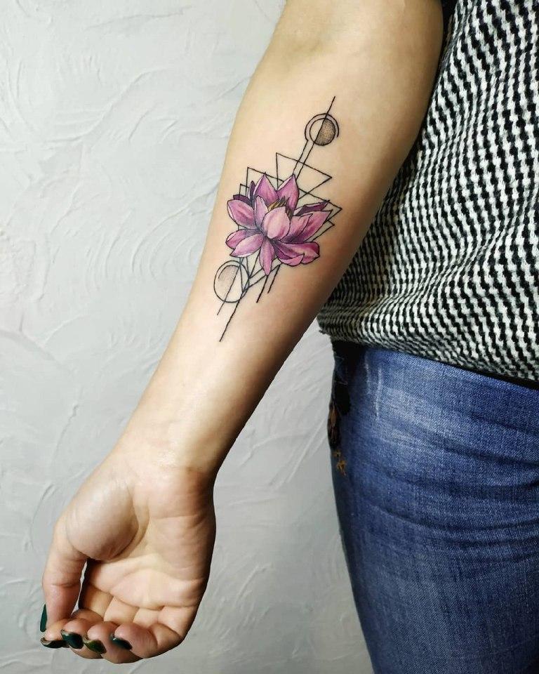 татуировки в стиле геометрия