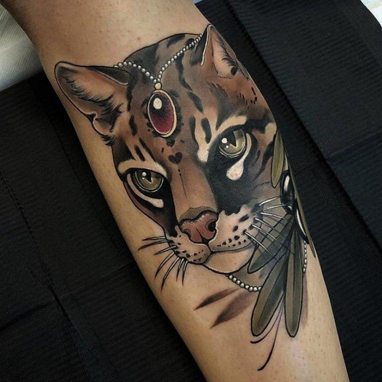 татуировки на голени