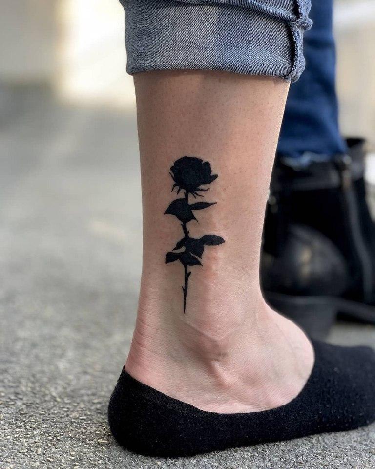 татуировки на ногу