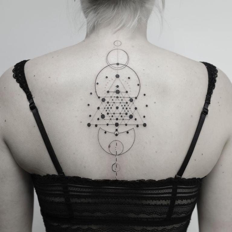 красивые татуировки на спине