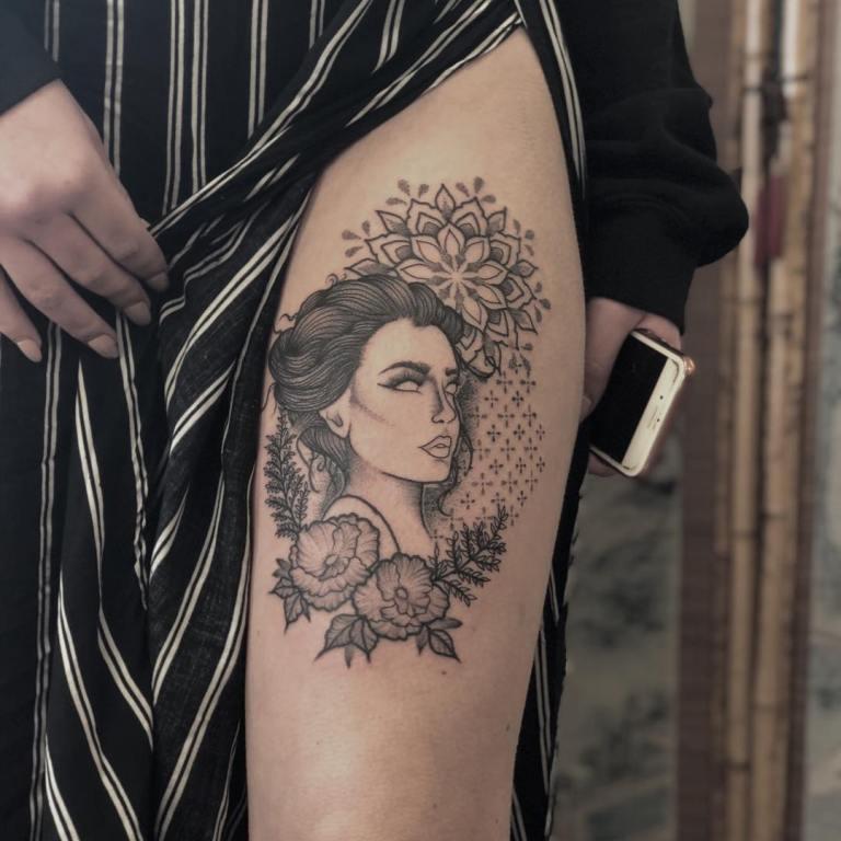 татуировки на ноги