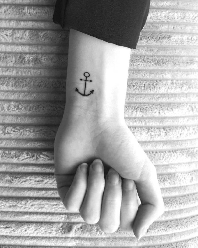 что означает тату якорь