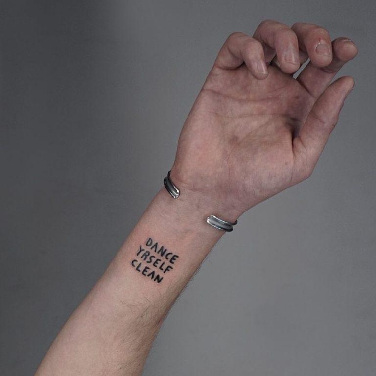 небольшие тату на руке