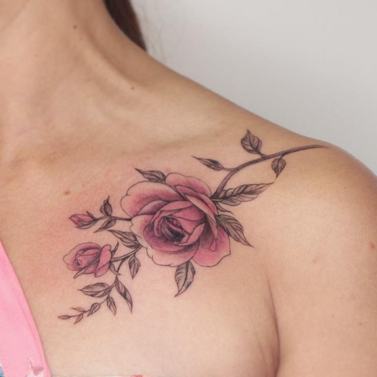 татуировки для девушек на ключице