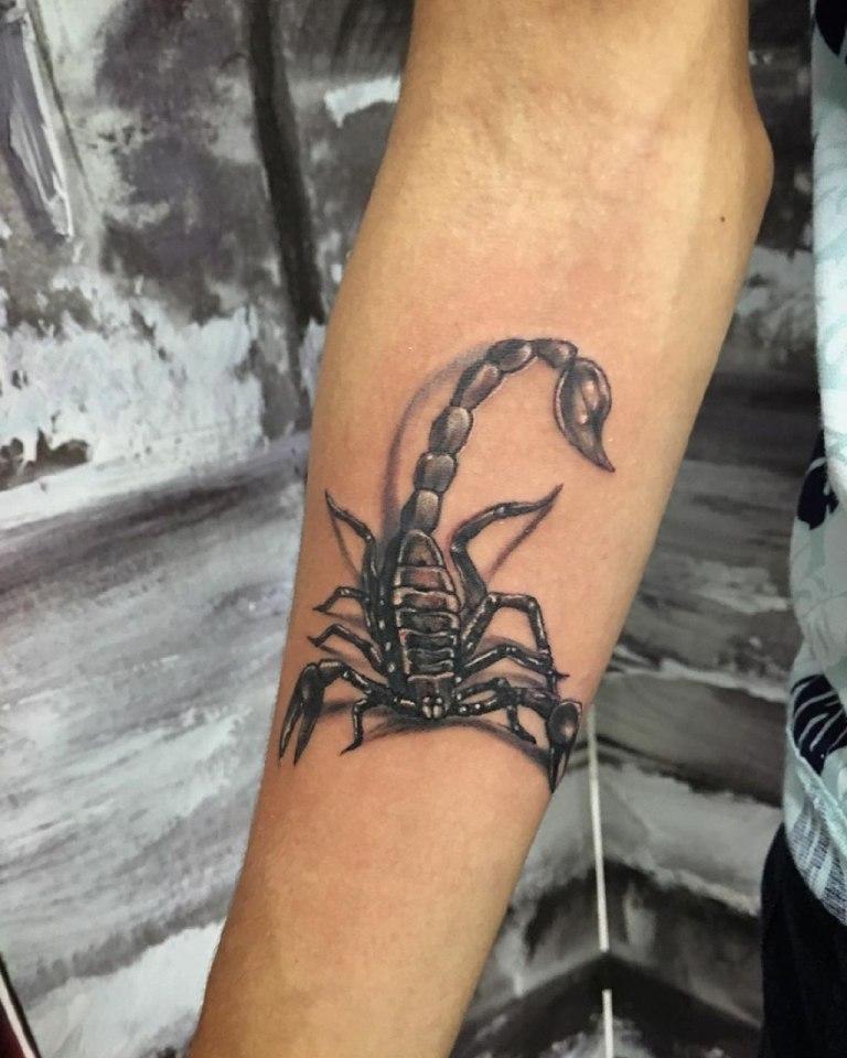 тату скорпион значение