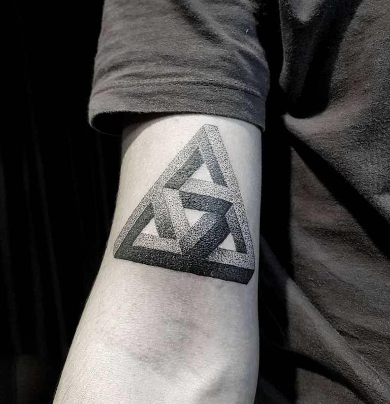 треугольник пенроуза значение