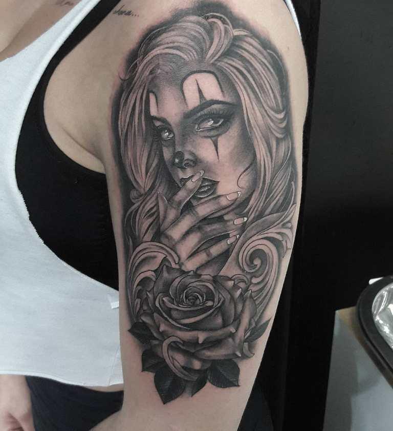 татуировки для девушек на плече