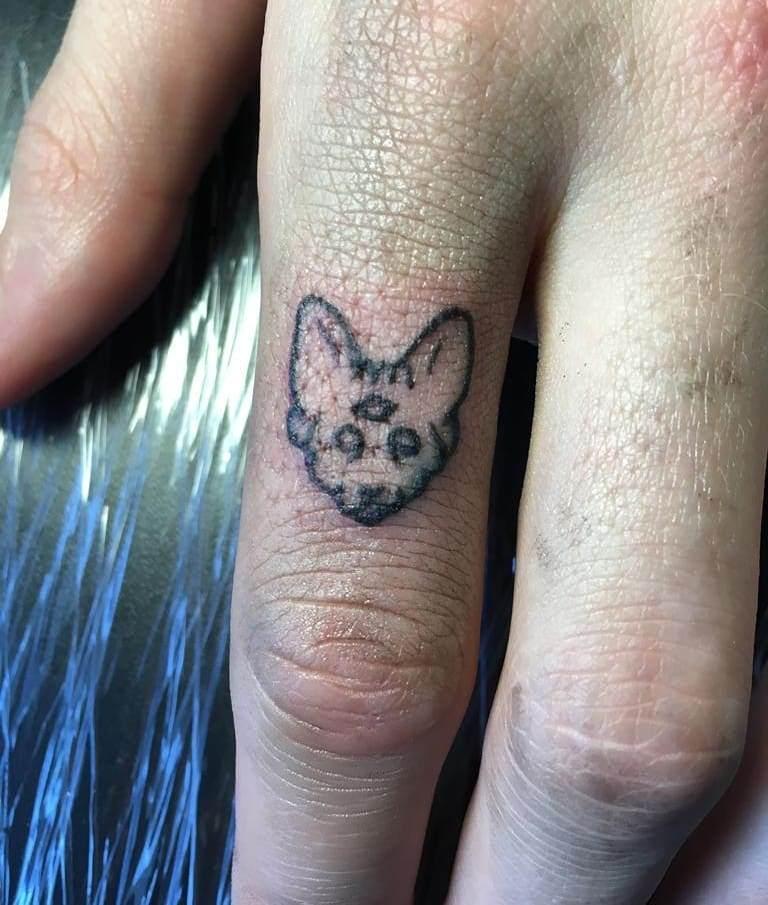 тату символ любви и счастья