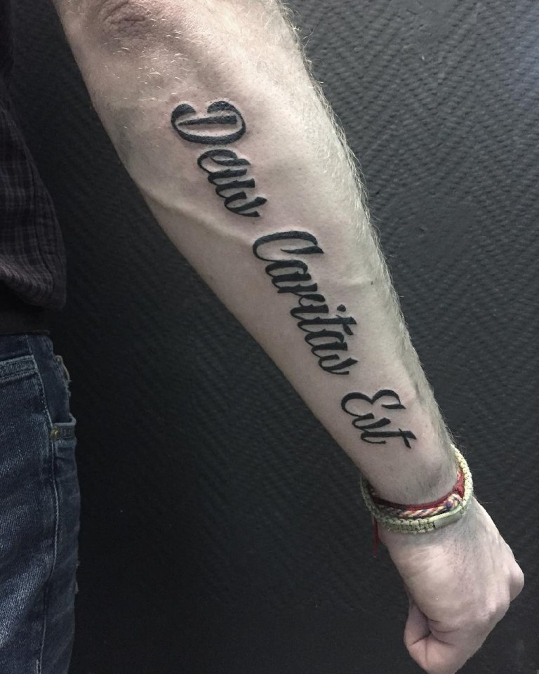 надписи на руке