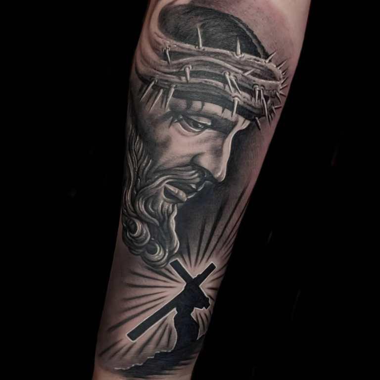 татуировка иисуса