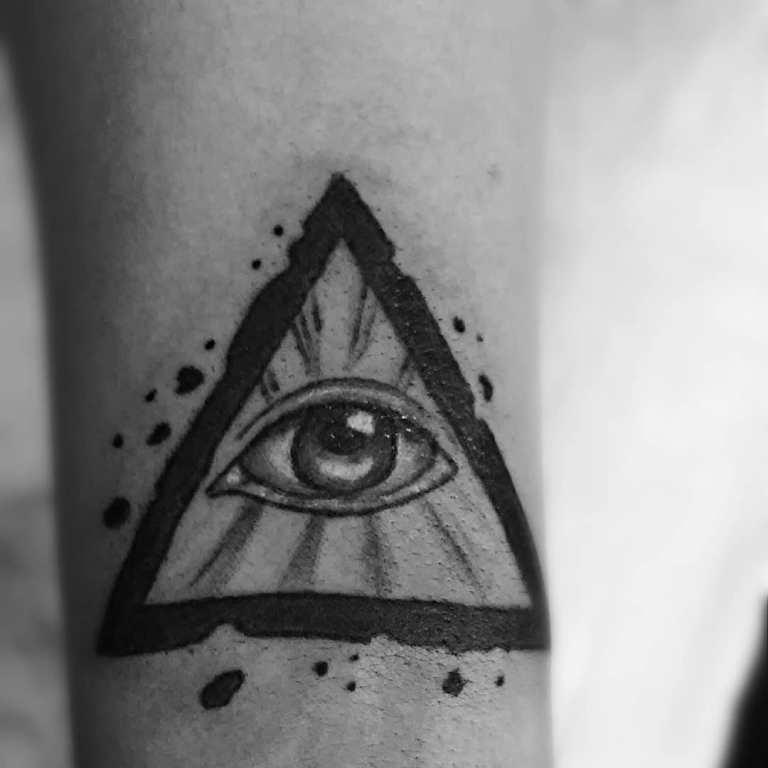 всевидящее око тату значение
