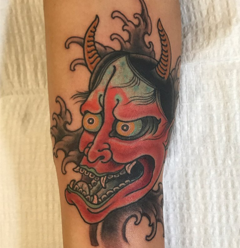 японские маски демонов