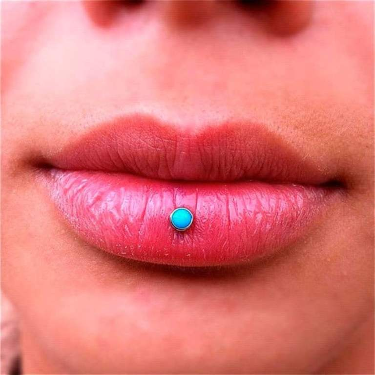 пирсинг губы цена