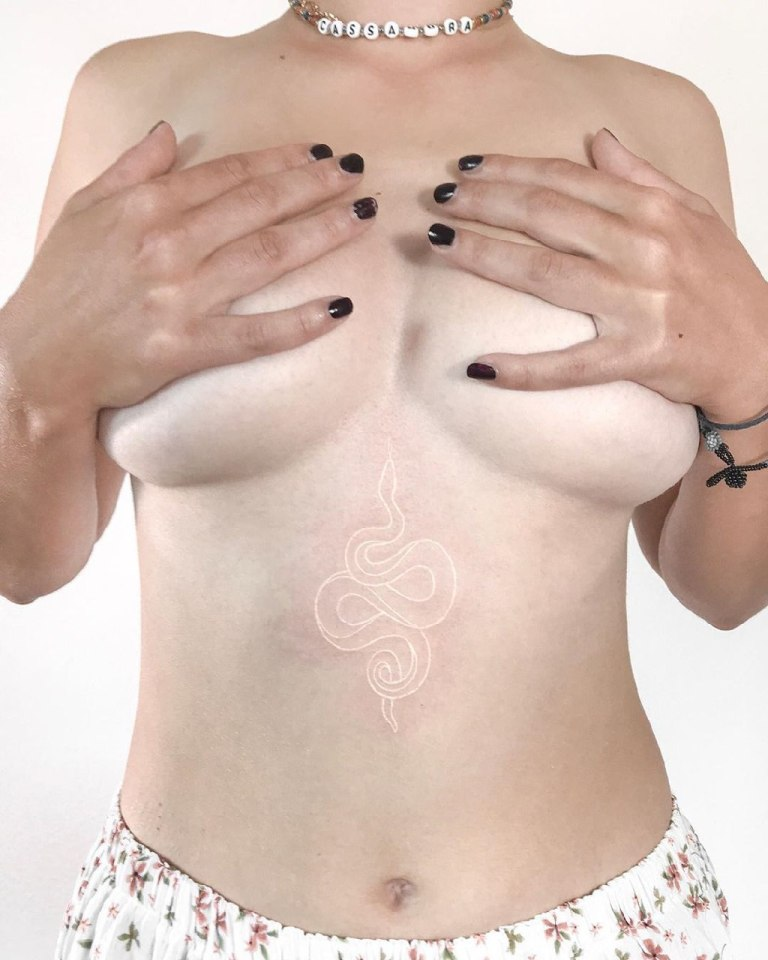 белые татуировки фото