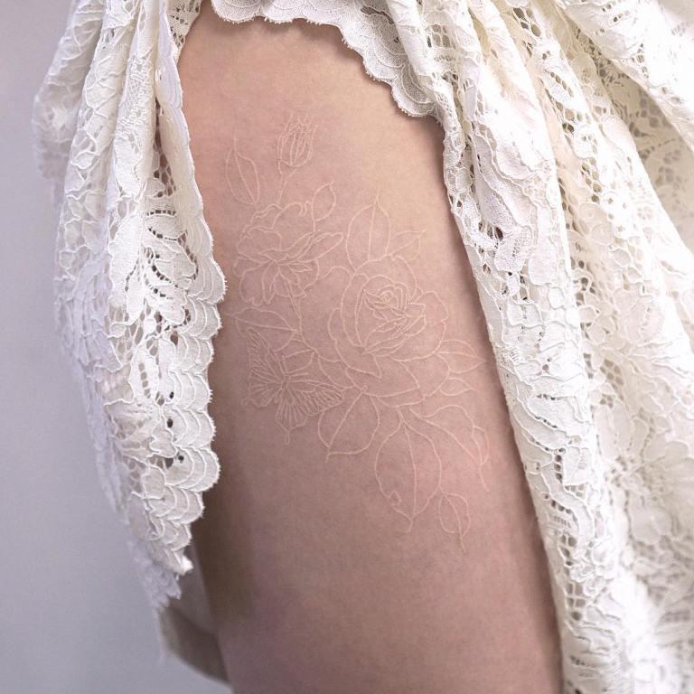 белая татуировка фото