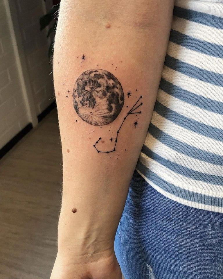 что значит тату луна