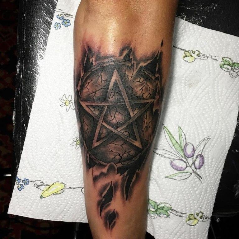 пентаграмма татуировка