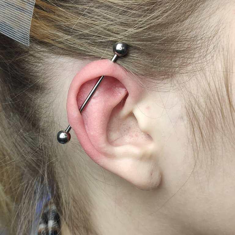 индастриал ухо