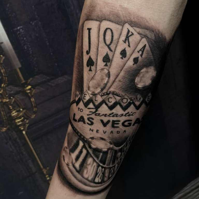 татуировки необычные