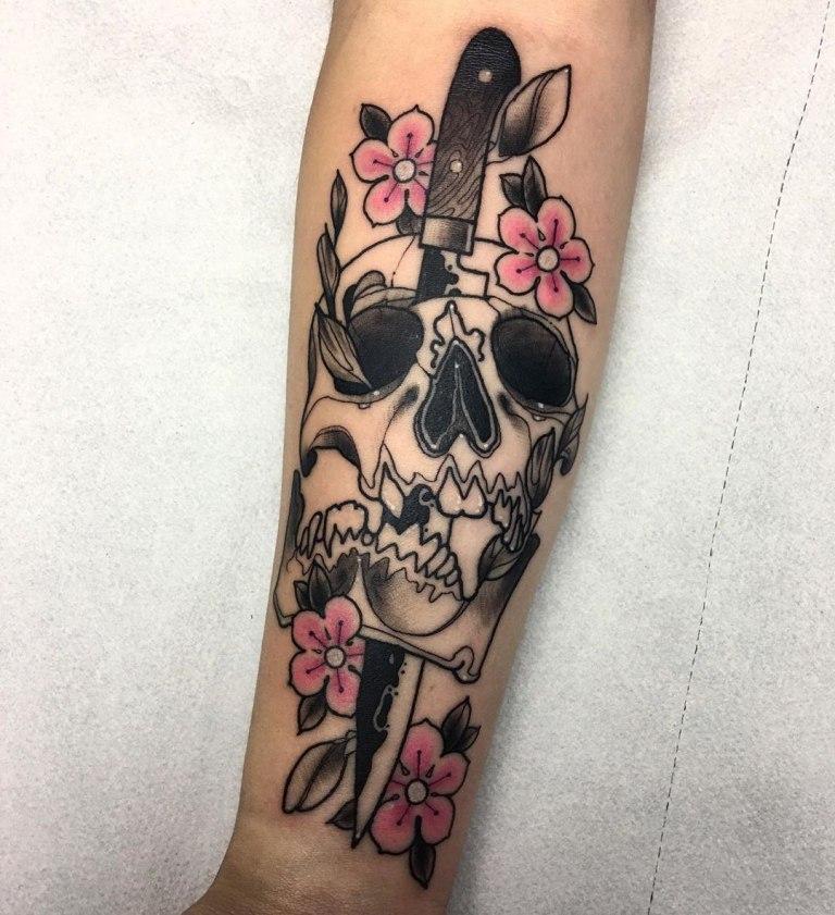 что означает татуировка нож