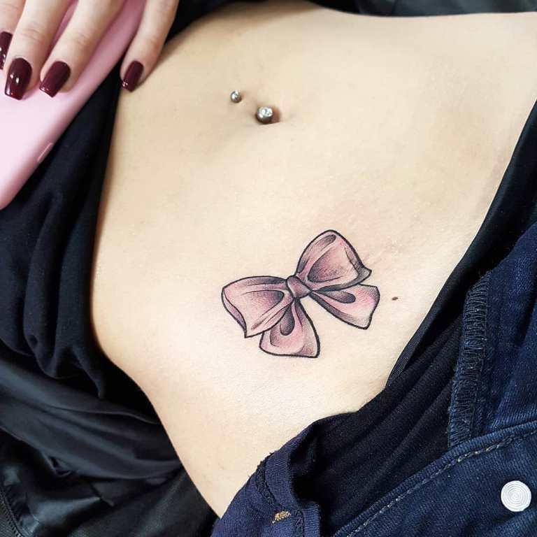 татуировка бантик