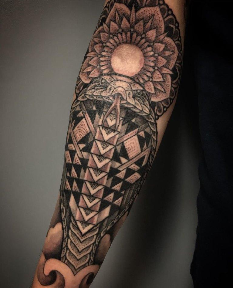 кобра татуировка