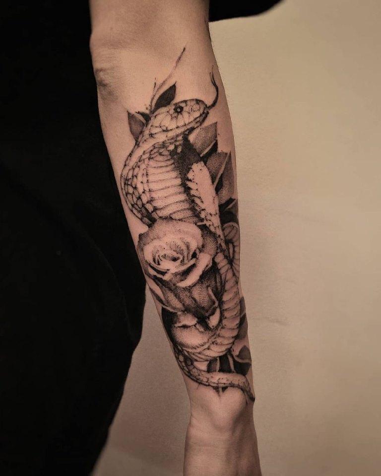 значение татуировки кобра