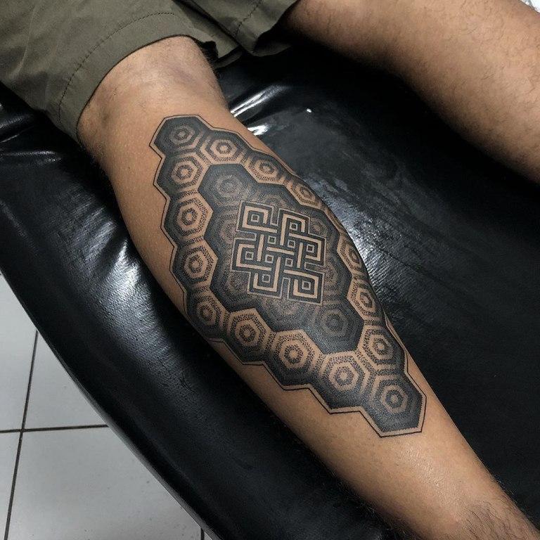 татуировка на икре