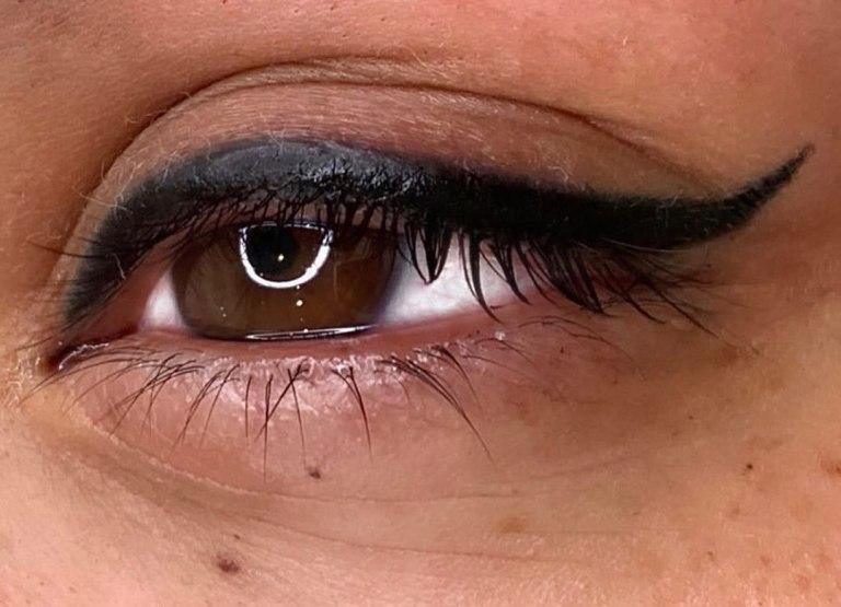 стрелки на глазах татуаж фото