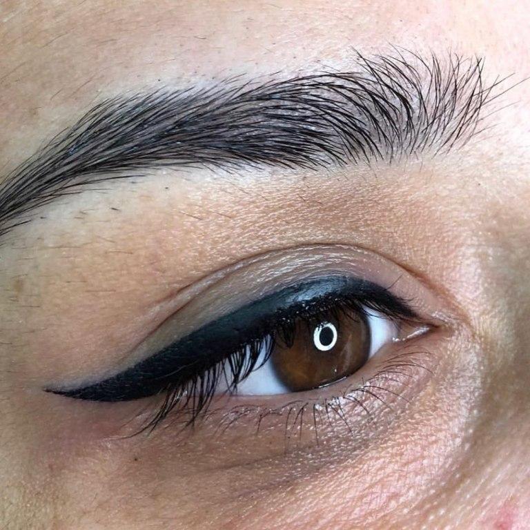 перманентные стрелки на глазах
