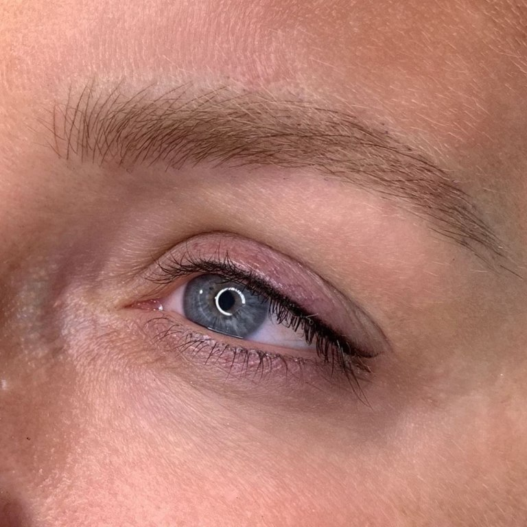 стрелки на глазах татуаж
