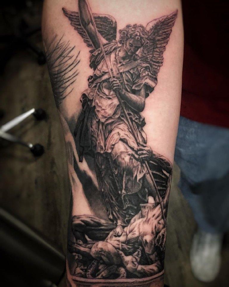 татуировки религиозные мужские